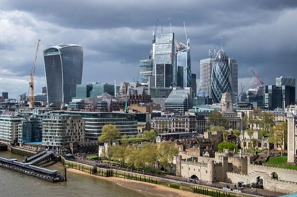 "London offices face 'hotspot' recovery as firms target ""one-stop commute"" (GB)"
