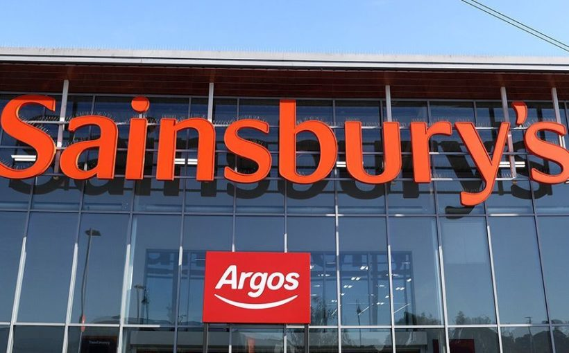 CZECH/ SLOVAKIA/ UK Vesa starts buying at Sainsbury's