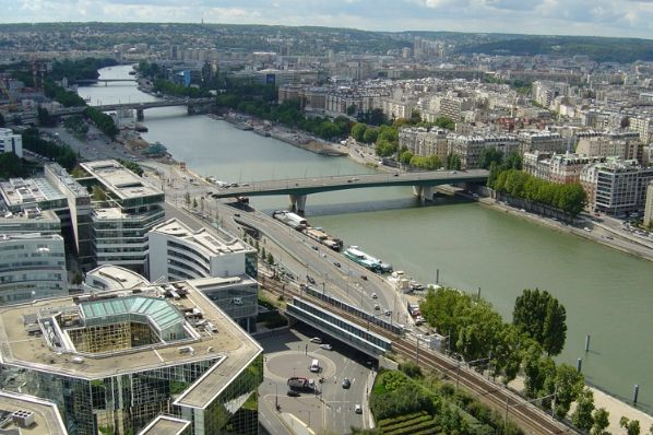DTZ Investors acquires Paris office property (FR)