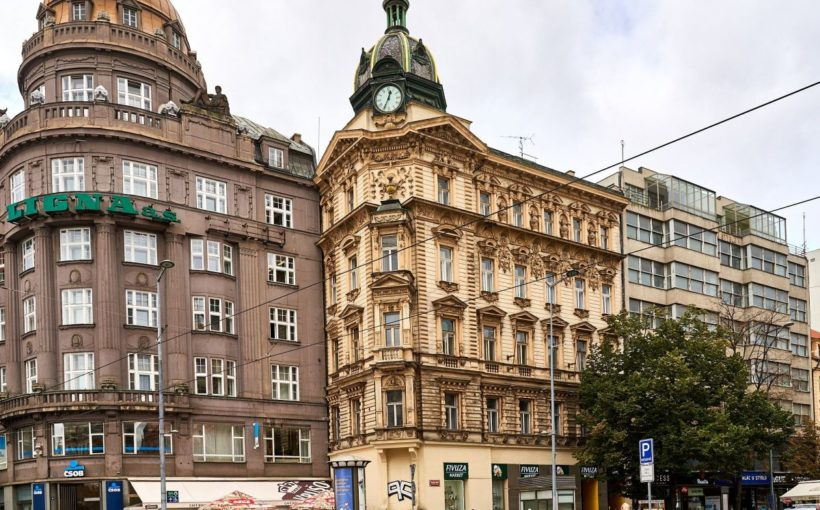 CZECH REPUBLIC Sekyra buys Wenceslas Square townhouse