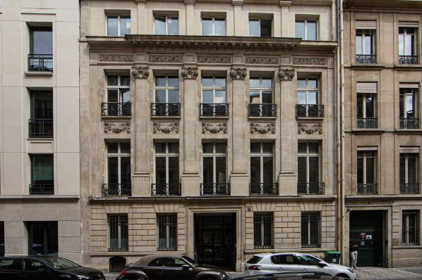 Cromwell acquires Paris office building (FR)