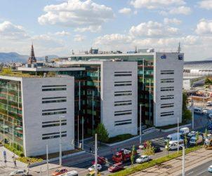 HUNGARY Vodafone sticks with Aréna Corner for regional centre