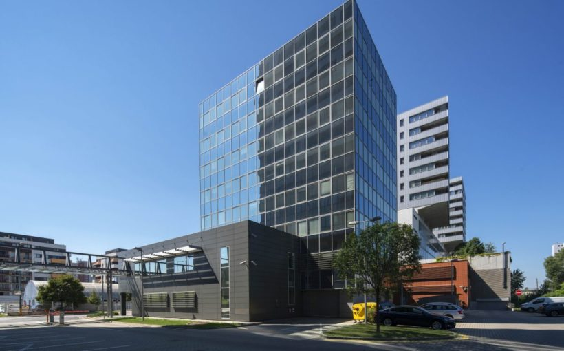 SLOVAKIA Tatra Banka selling Bratislava offices