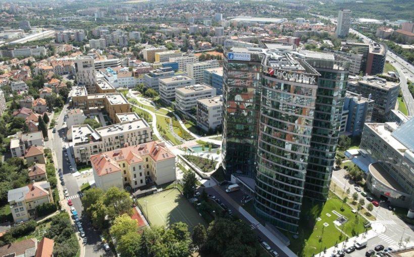 CZECH REPUBLIC UniCredit stays smart in Filadelfie