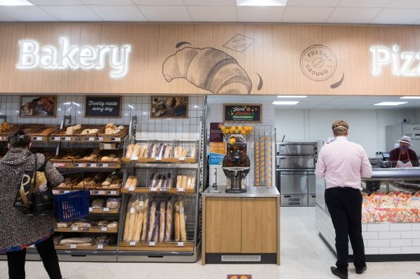 Sainsbury's launches Neighbourhood Hub store format (GB)