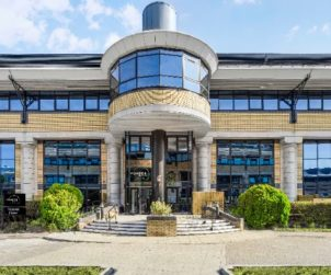 Vonder acquires former SKY HQ for co-living project (GB)