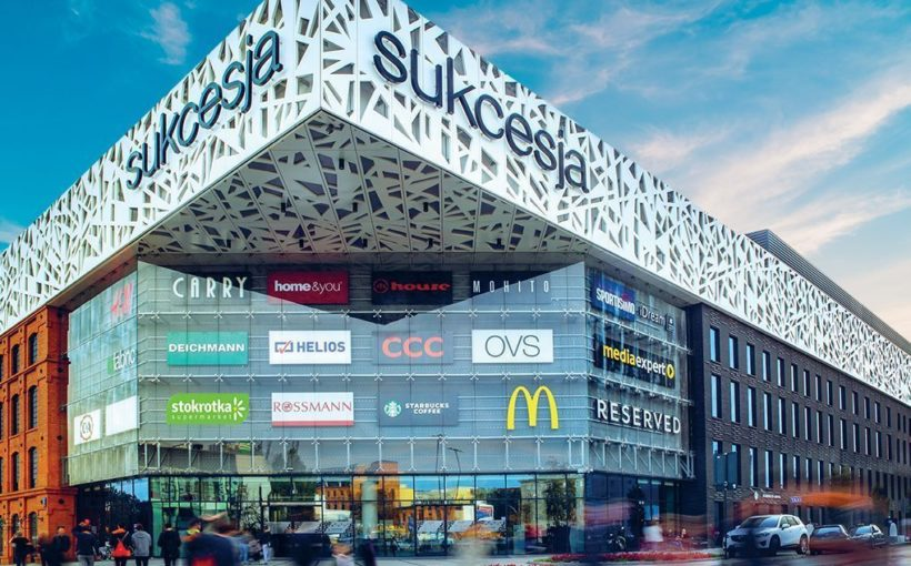 Poland Retail grows small