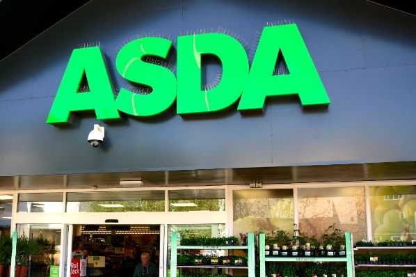 Asda opens in-store Covid vaccination centre (GB)