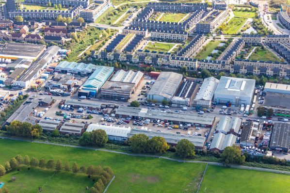 Patrizia sells multi-let industrial property in London (GB)