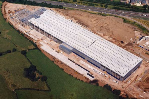 Aviva Investors acquires Sainsbury's distribution centre for €159.4m (GB)