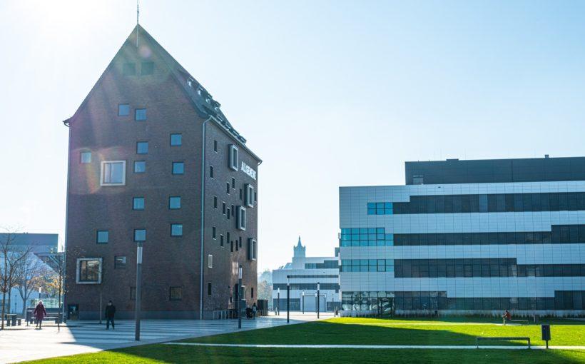 Image by Alfred Derks buildings