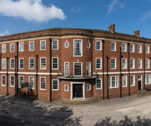 Knight Frank sells two West Midlands hotels (GB)
