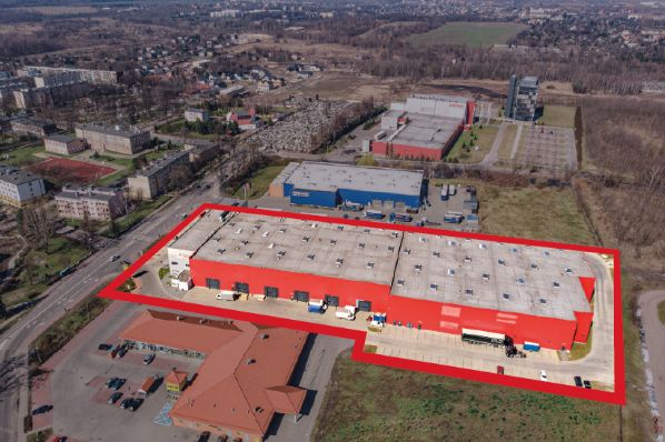 M7 acquires two Polish warehouses