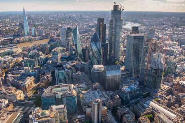 City of London unveils plans to convert empty offices into homes (GB)